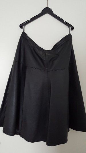 Circle Skirt black leather