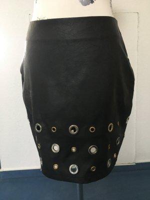 Lederrock mit Nieten