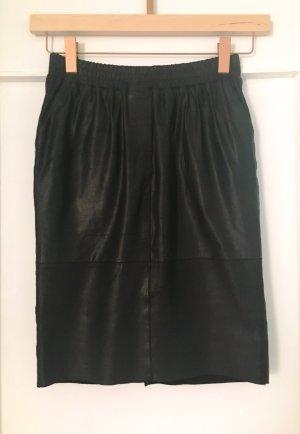 Minus Falda de cuero negro