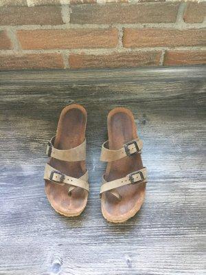 Sandalo con tacco marrone-grigio