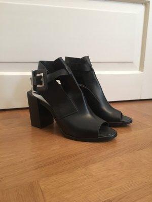Zara Woman Peep Toe Pumps black
