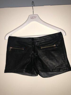 Ledershorts in schwarz aus Kunstleder