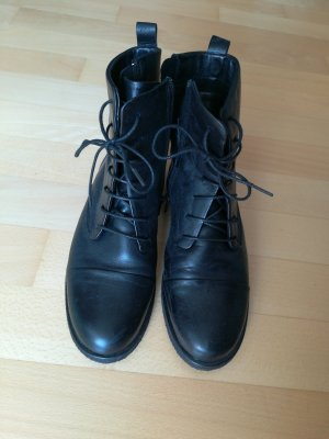 Zign Lace-up Booties black