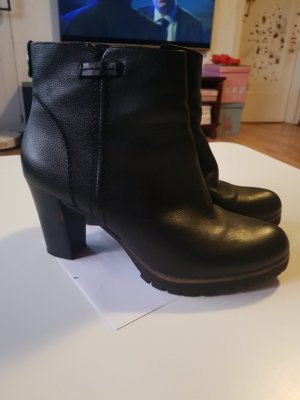 5th Avenue Platform Booties black