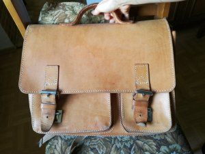 Briefcase sand brown