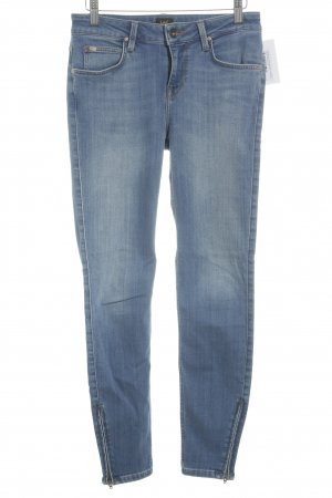 Lee Skinny Jeans stahlblau-himmelblau Street-Fashion-Look
