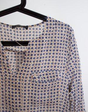 Legere Bluse mit süßem Muster