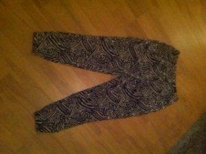 legere H&M Hose im Zebra-/Safariprint
