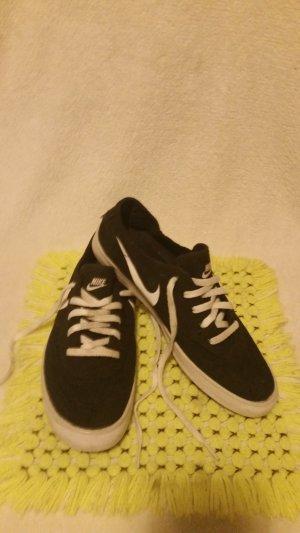 Nike Lace-Up Sneaker black-white textile fiber
