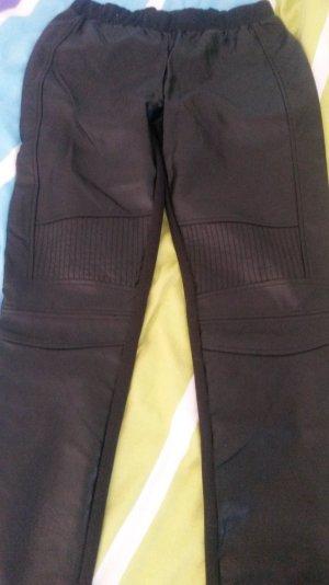 Legging von Vila, vorn Lederptik, hinten normaler Stoff
