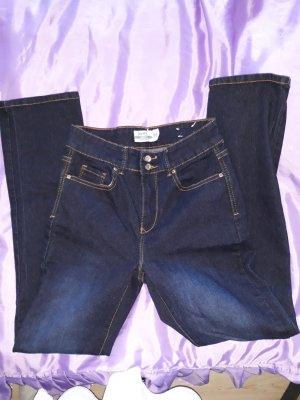 leicht ausgestelle Jeans Bootcut 36/38 Länge 30