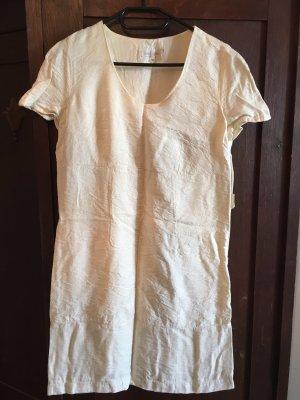 Leicht glänzendes Etui-Kleid