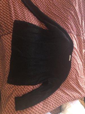 Leicht metallisch glänzender Pullover