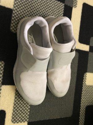 Leichte bequeme Nike Schuhe