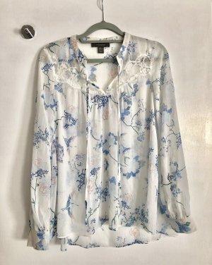 Leichte Bluse mit Blütenmuster