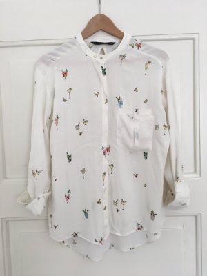 Leichte Bluse mit buntem Print