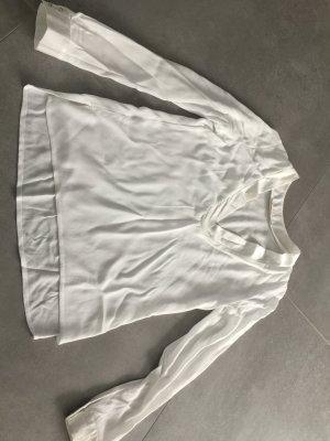 Leichte Bluse mit V-Ausschnitt von Reverse