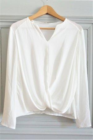 Leichte Bluse mit Wickeloptik in Wollweiß