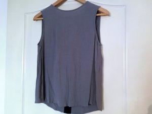 Leichte Bluse von Zara mit Cut-Out am Rücken
