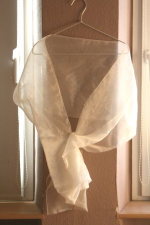 leichte Brautstola, Stola, Brautkleid, weiss
