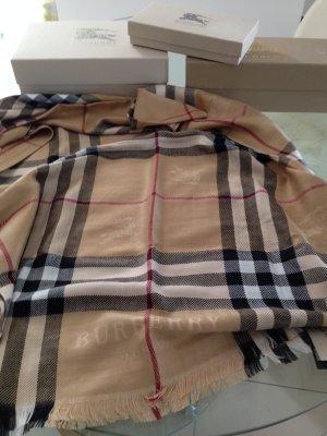 burberry schals g nstig kaufen second hand m dchenflohmarkt. Black Bedroom Furniture Sets. Home Design Ideas