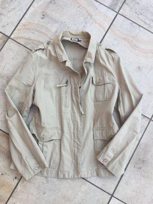 Leichte Jacke aus 100%  Baumwolle