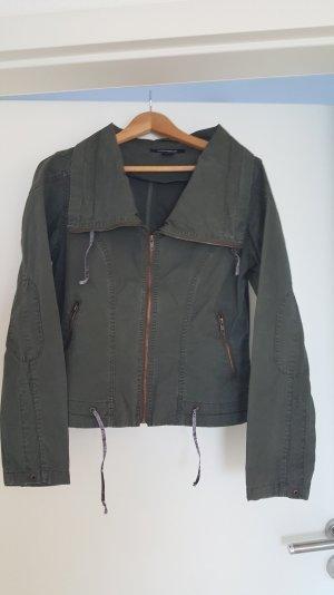 Leichte Jacke in Tannengrün