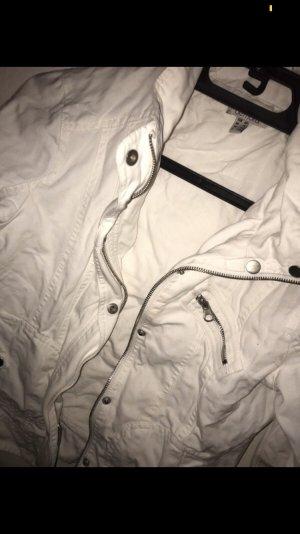 leichte Jacke in weiß