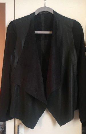 Leichte Jacke mit verschiedenen Stoffen