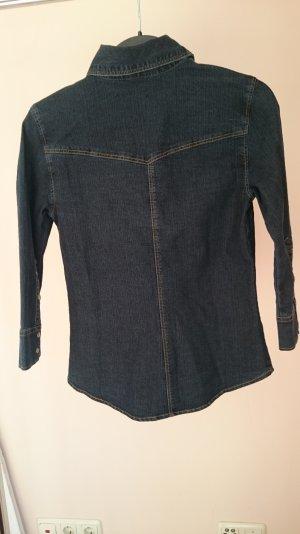 leichte Jeansjacke für den Frühling