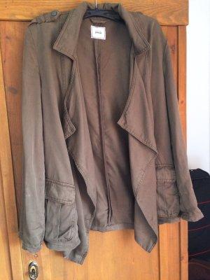 Leichte Kaki-grüne Jacke