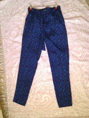 Leichte, lässige Sommerhose mit tollem Muster in Blau und Türkis