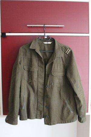Leichte Military-Jacke