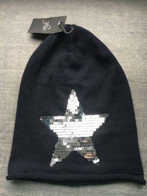 Leichte Mütze mit Stern