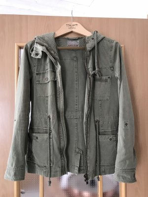 Review Parka caqui