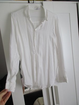 leichte schlichte weiße Bluse