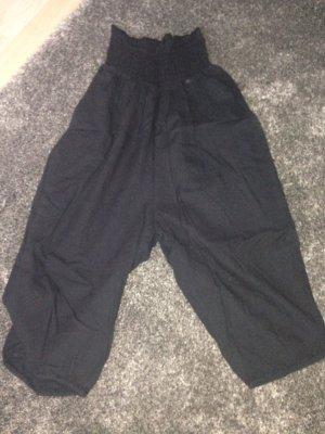 Leichte schwarze Amisu Sommerhose / ungetragen / Größe 34
