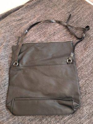 Leichte schwarze Handtasche