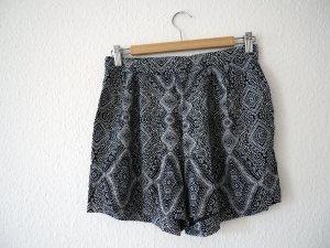 Leichte Shorts für den Sommer mit Boho-Muster, 38