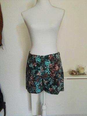 leichte Shorts mit Blumenprint H&M