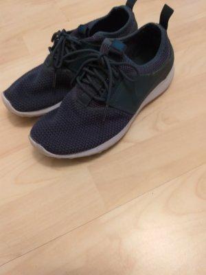 Nike Basket à lacet bleu foncé