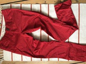 Leichte Stoffhosen in grau und rot