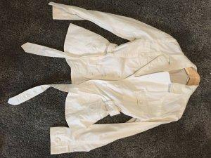 leichte weiße Jacke von H&M mit größen Knöpfen