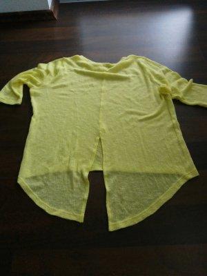 leichter gelber Pullover