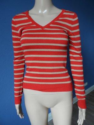 Leichter gestreifter Feinstrick-Pullover