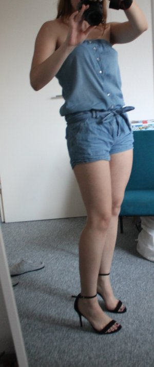leichter Jumpsuit / Jeansoverall mit Schleife