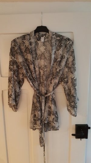 H&M Kimonos at reasonable prices | Secondhand | Prelved