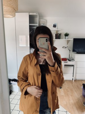 Leichter Mantel beige