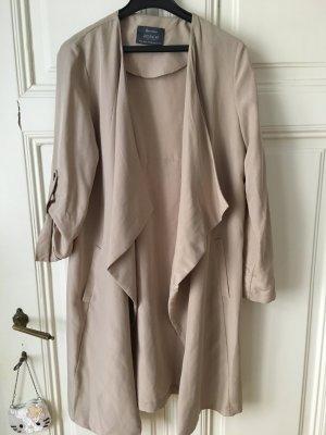 Leichter Mantel in beige
