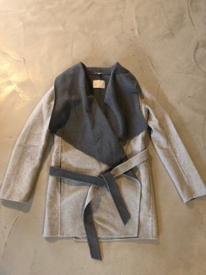 Leichter Mantel mit Umschlag